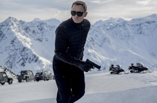 Spectre Daniel Craig snow.jpg