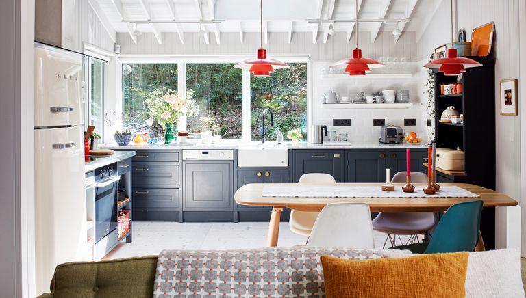 Egon Walesch and Richard Goodwin turned a run-down cabin into a stylish lakeside retreat