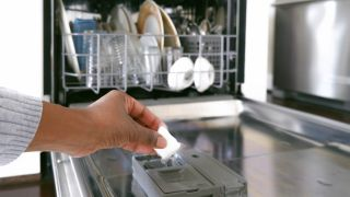 Frigidaire vs Whirlpool: Which dishwasher brand suits your needs best?