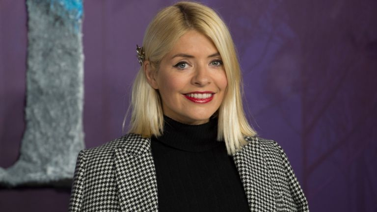 """Holly Willoughby attends the """"Frozen 2"""" European premiere at BFI Southbank on November 17, 2019 in London, England"""