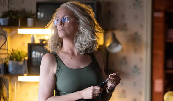 Jamie Lee Curtis Laurie Strode sharpens a knife Halloween 2018