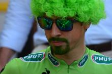 Peter Sagan and all of Cannondale had bright green wigs for the start of the final Tour stage.