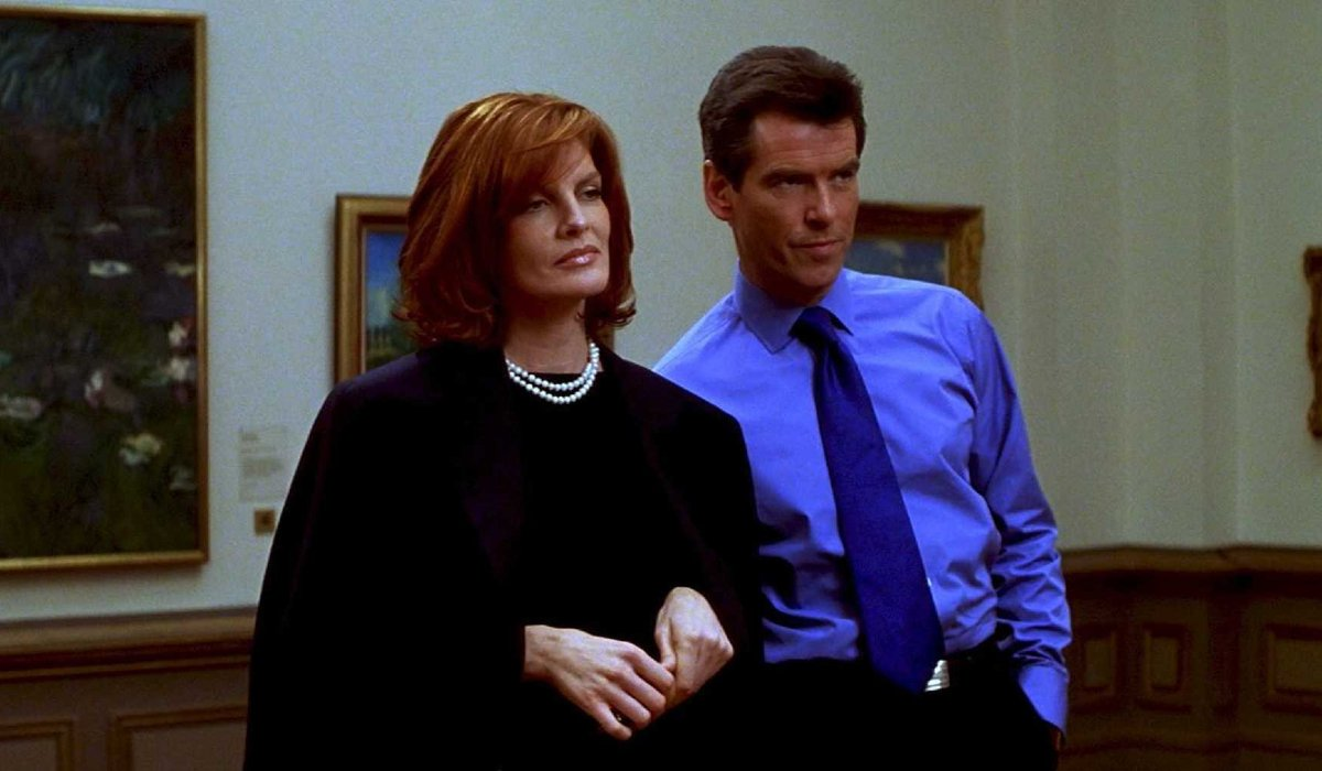 The Thomas Crown Affair Rene Russo and Pierce Brosnan on a date at the museum
