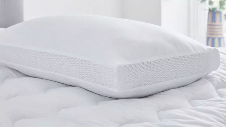 Silent night air max pillow