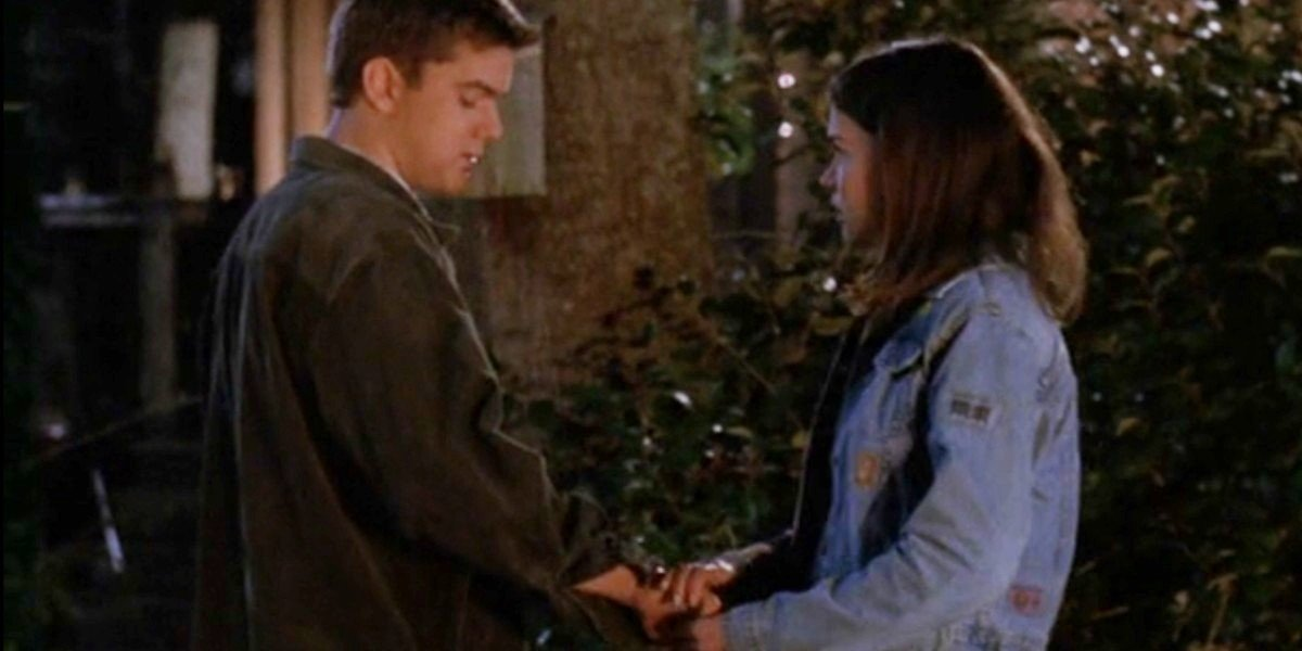 Joshua Jackson and Katie Holmes in Stolen Kisses Dawson's Creek Episode