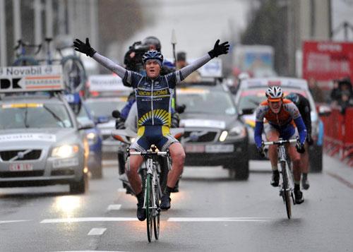 Bobbie Traksel wins Kuurne-Brussels-Kuurne 2010