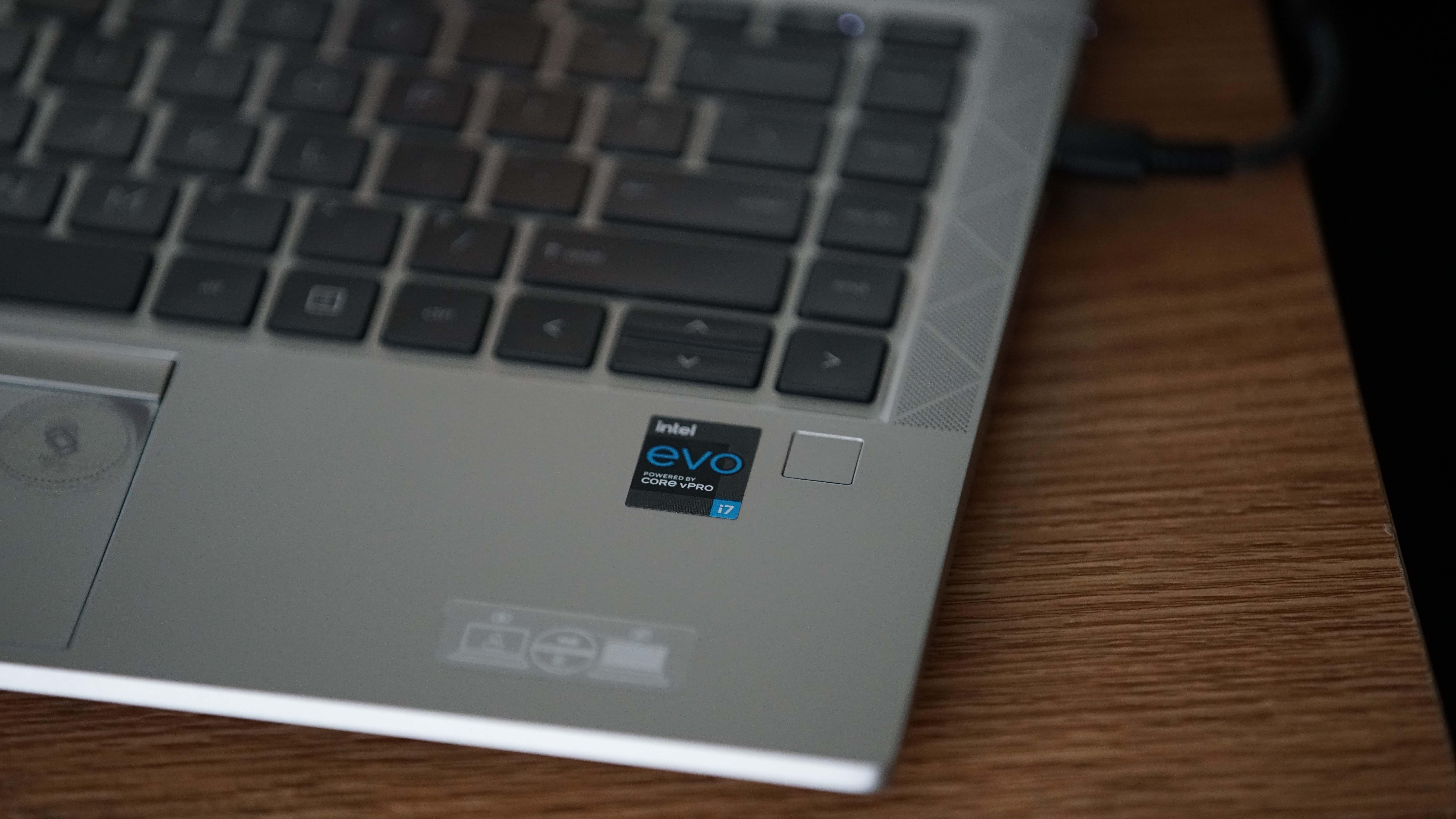HP EliteBook 840 Aero G8 on a wooden surface