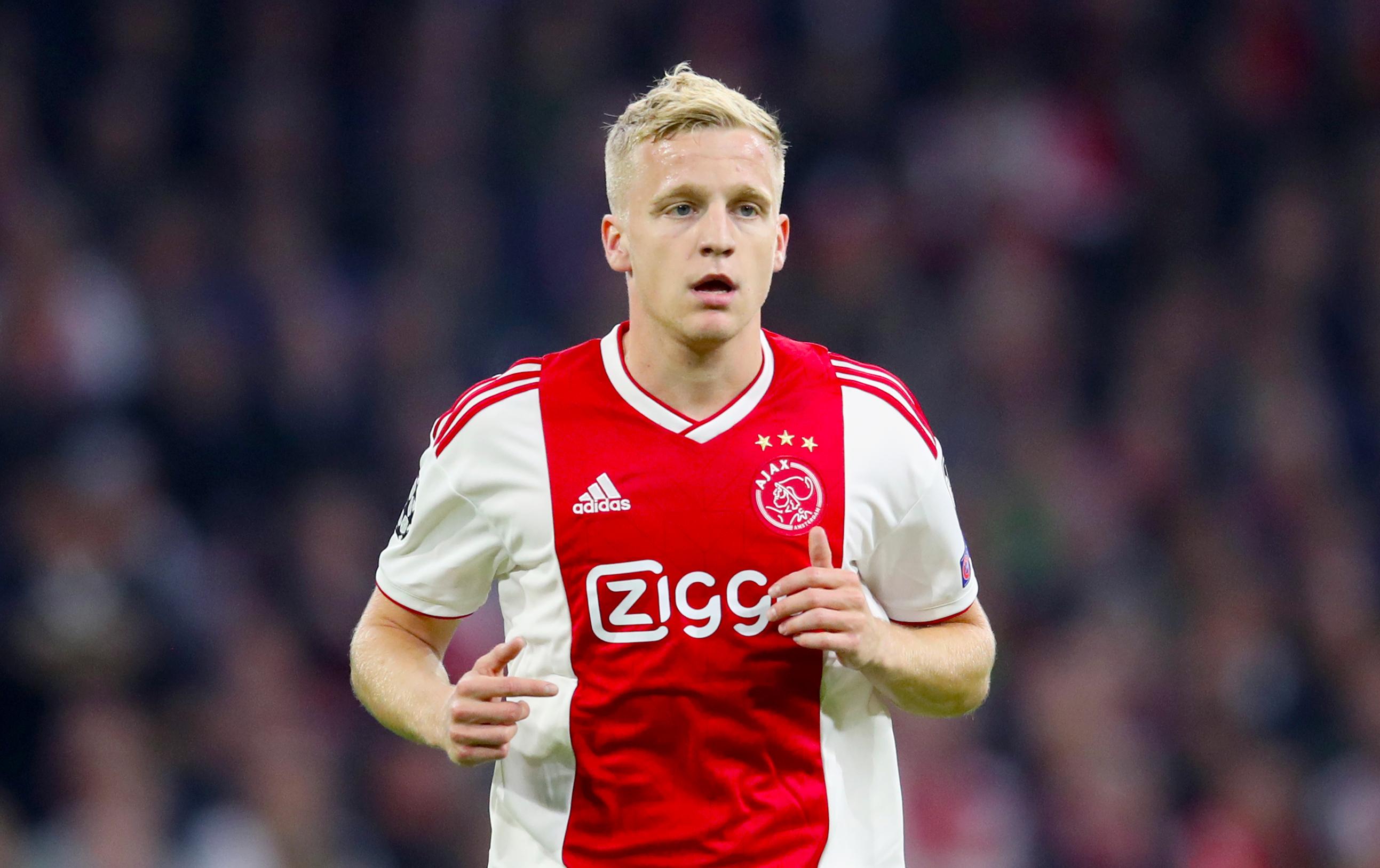 Manchester United Keeping Tabs On Ajax S Donny Van De Beek Fourfourtwo