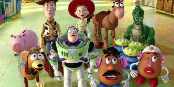 персонажи истории игрушек выглядят потрясенными