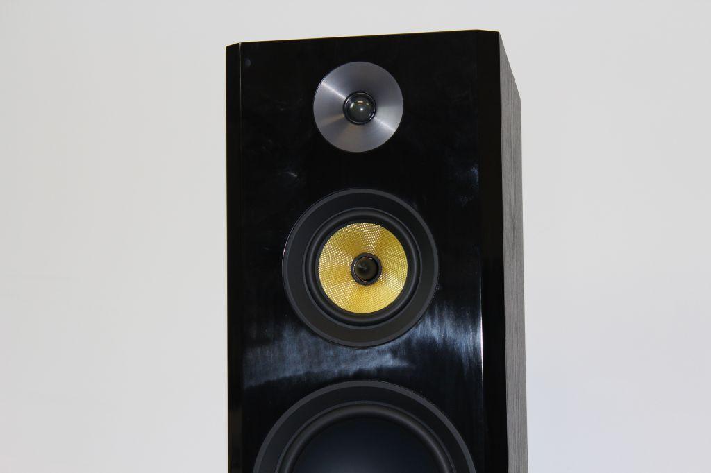 Fluance Signature Series Review - Big Sound If You Have a Big Room
