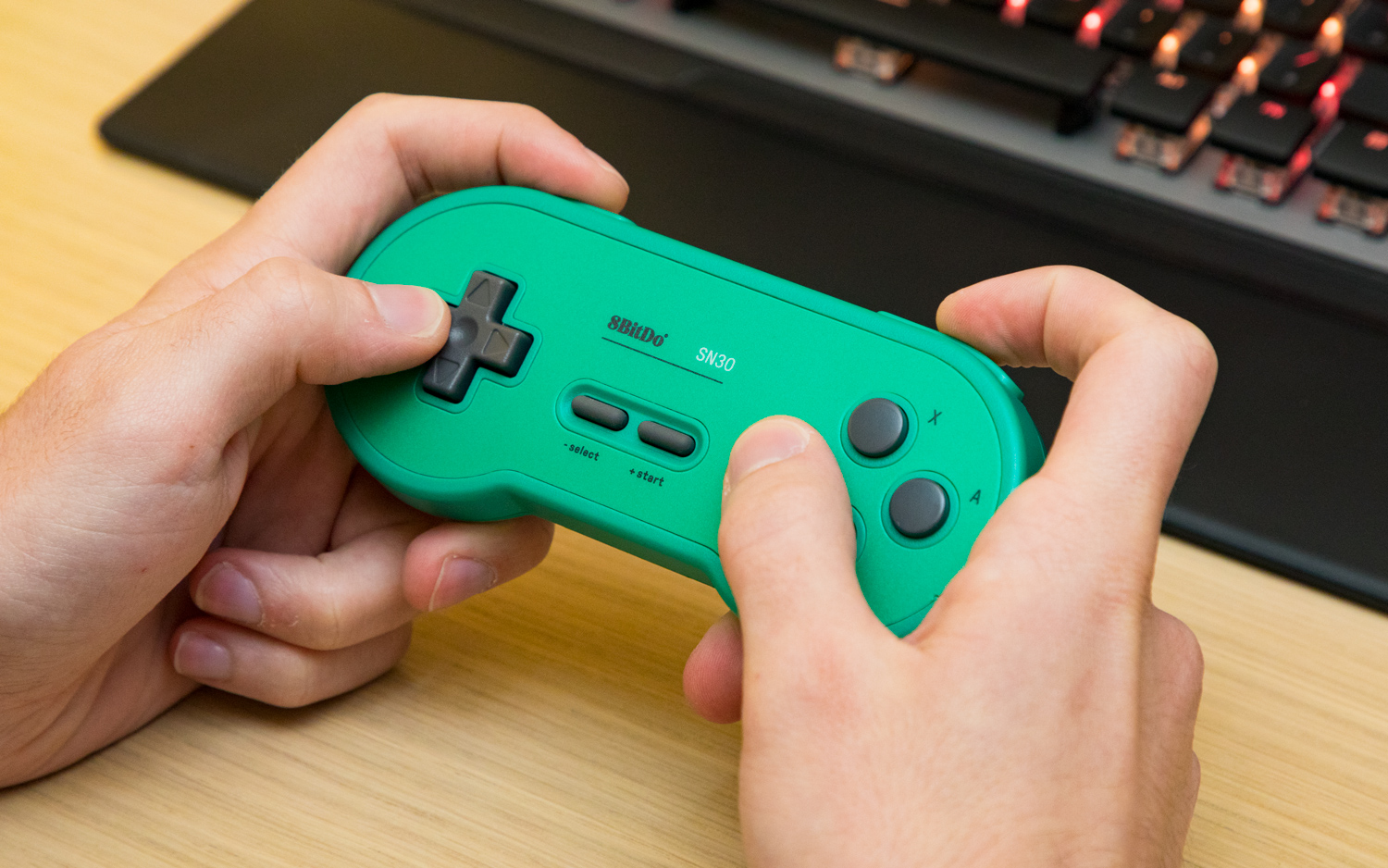 8BitDo SN30 Review: Skip Nintendo's NES Pad and Buy This Instead