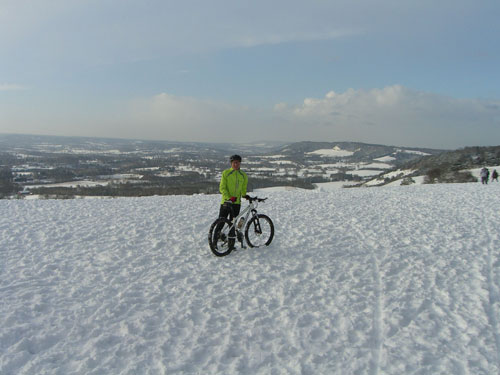 Jeremy and Pippa Hudson, Reigate, 2010 snowy cycling photos