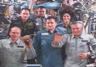 ISS Astronauts, Russian Officials Celebrate Cosmonautics Day