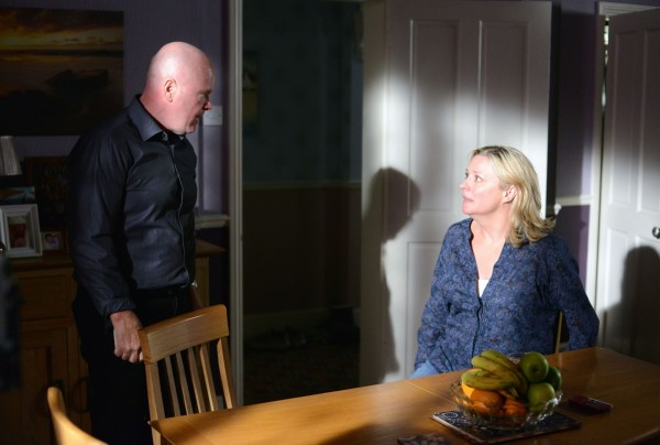 Phil Mitchell confronts Jane Beale