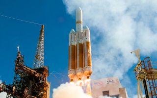 Delta 4 Heavy Rocket Soars space wallpaper