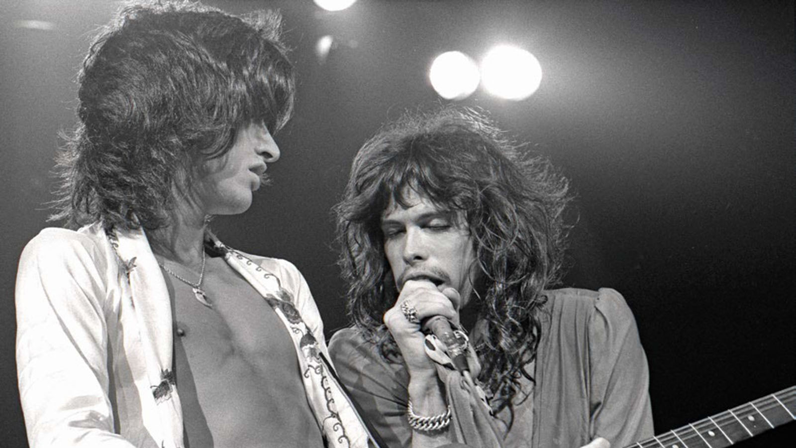 The Secrets Behind Joe Perry S Guitar Tone On Aerosmith S Walk This Way Guitar World Joe perry's tips for staying young. the secrets behind joe perry s guitar tone on aerosmith s walk this way guitar world