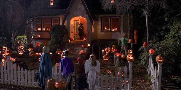 Trick-R-Treat movie trick-or-treaters