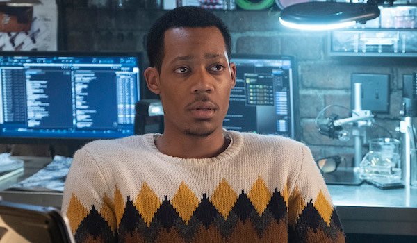 standish at his computer whiskey cavalier season finale