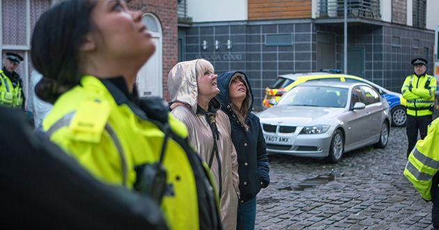 The police try to persuade Craig Tinkler to let them in in Coronation Street.