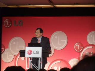 Michael Ahn shows off LG's 2009 line-up