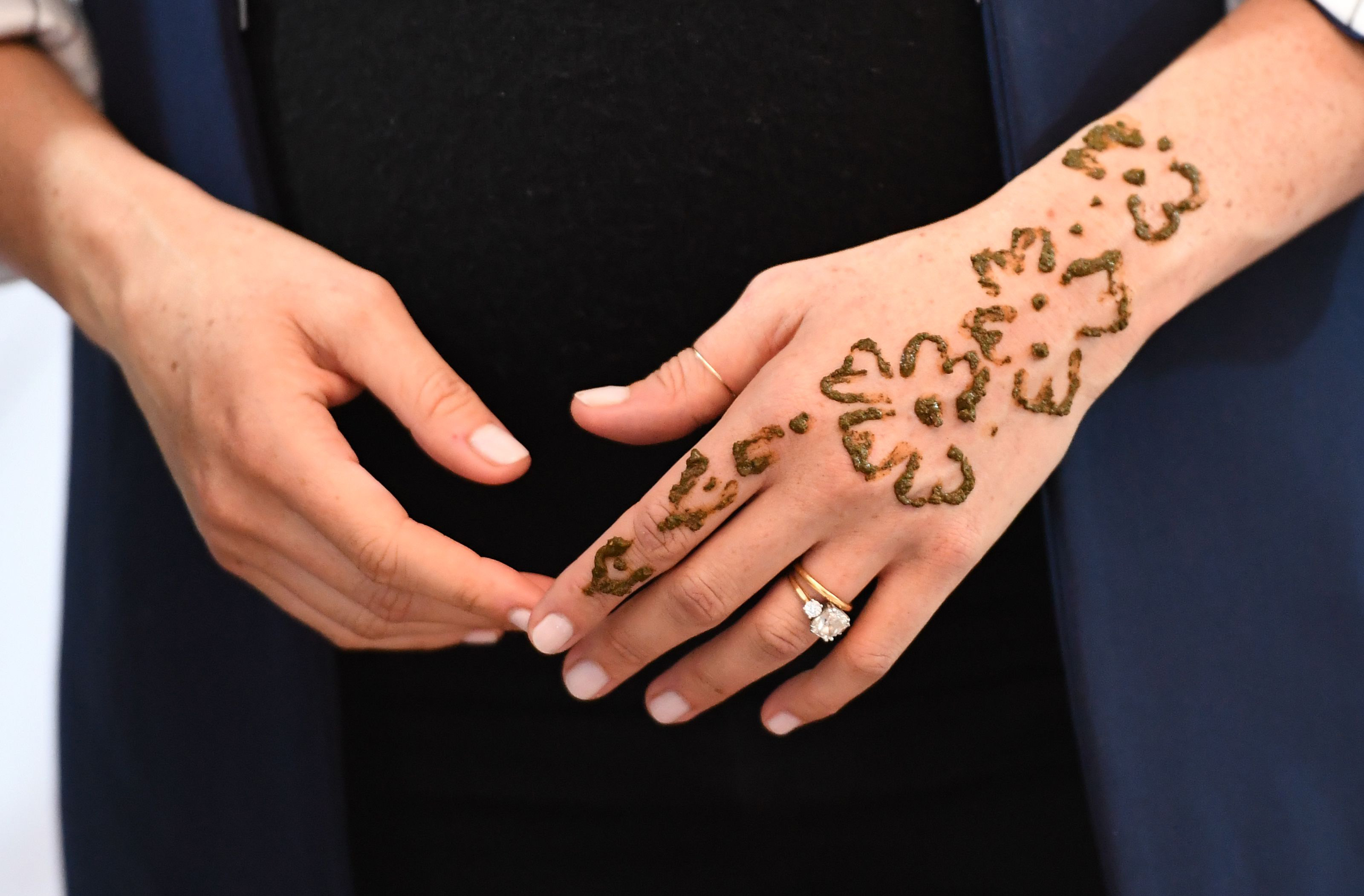 b7228d716 In Moroccan culture, the tattoo is designed to bring good luck and to  celebrate upcoming big occasions, such as an impending birth. And with the  Duchess of ...