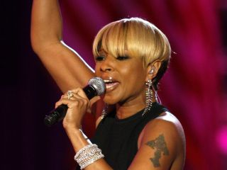 Mary J Blige wants the world to hear her get the Led out