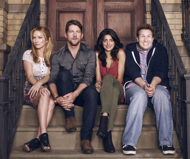Weird Loners Photos Tease Quirky Neighbors In New Fox Comedy #31355