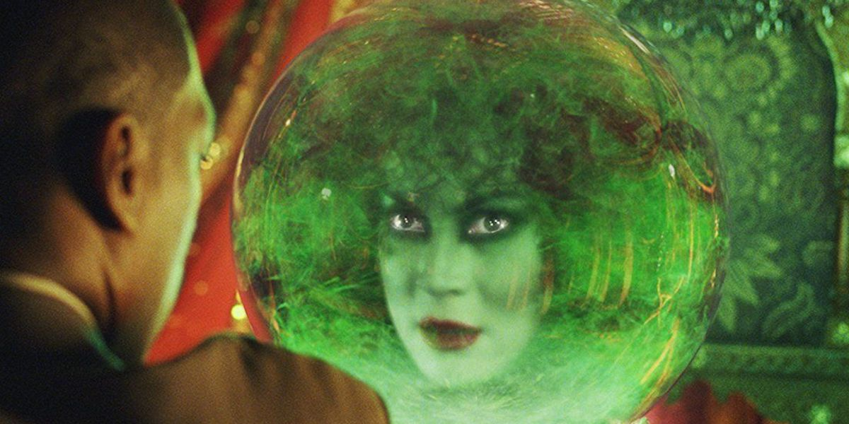 Jennifer Tilly as Madame Leota in the Haunted Mansion movie with Eddie Murphy