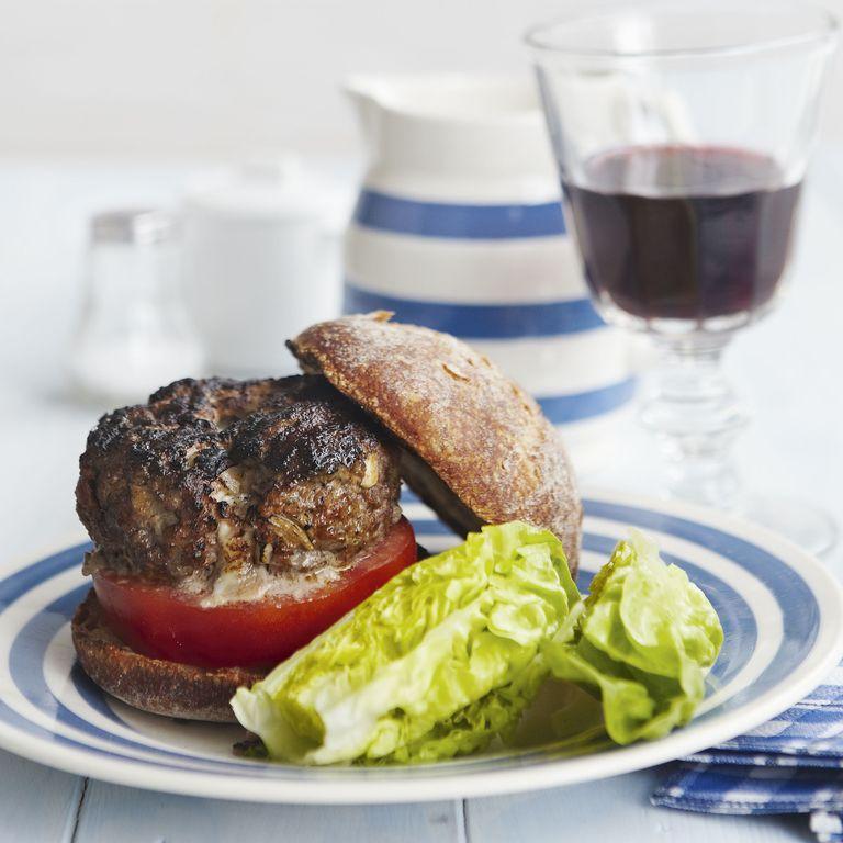 Steak Burger melting mozzarella - barbie burger - bbq burger - woman&home