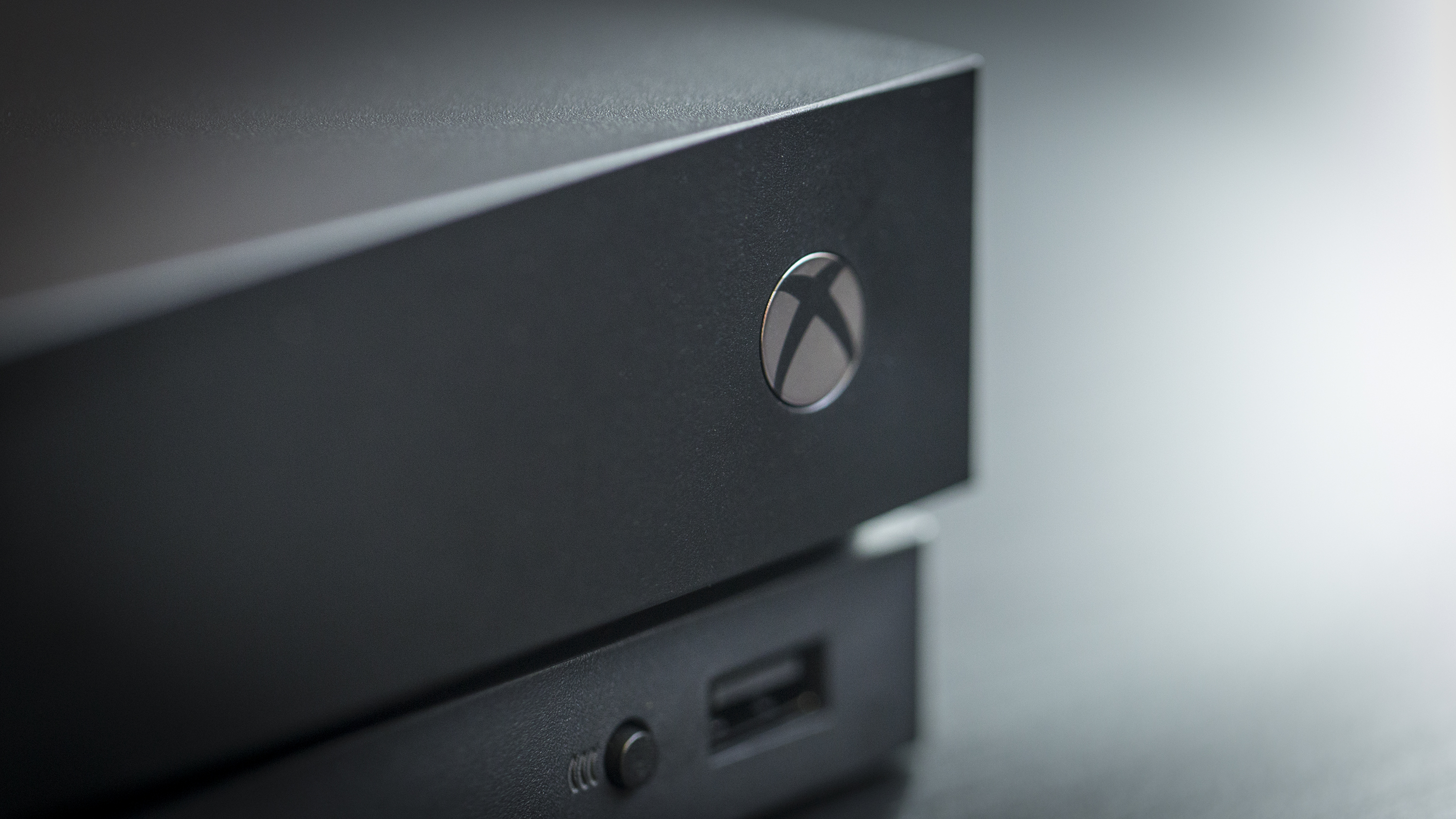 Mysterious bug bricked Xbox One consoles for a few hours on