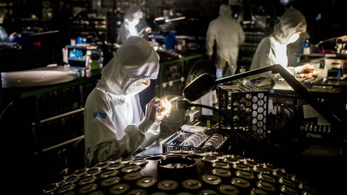 Made in Japan: Discover how lenses are created
