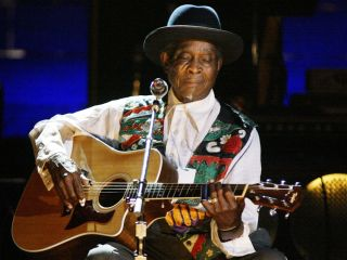 Honeyboy in concert at Radio City Music Hall, NYC, back in 2003