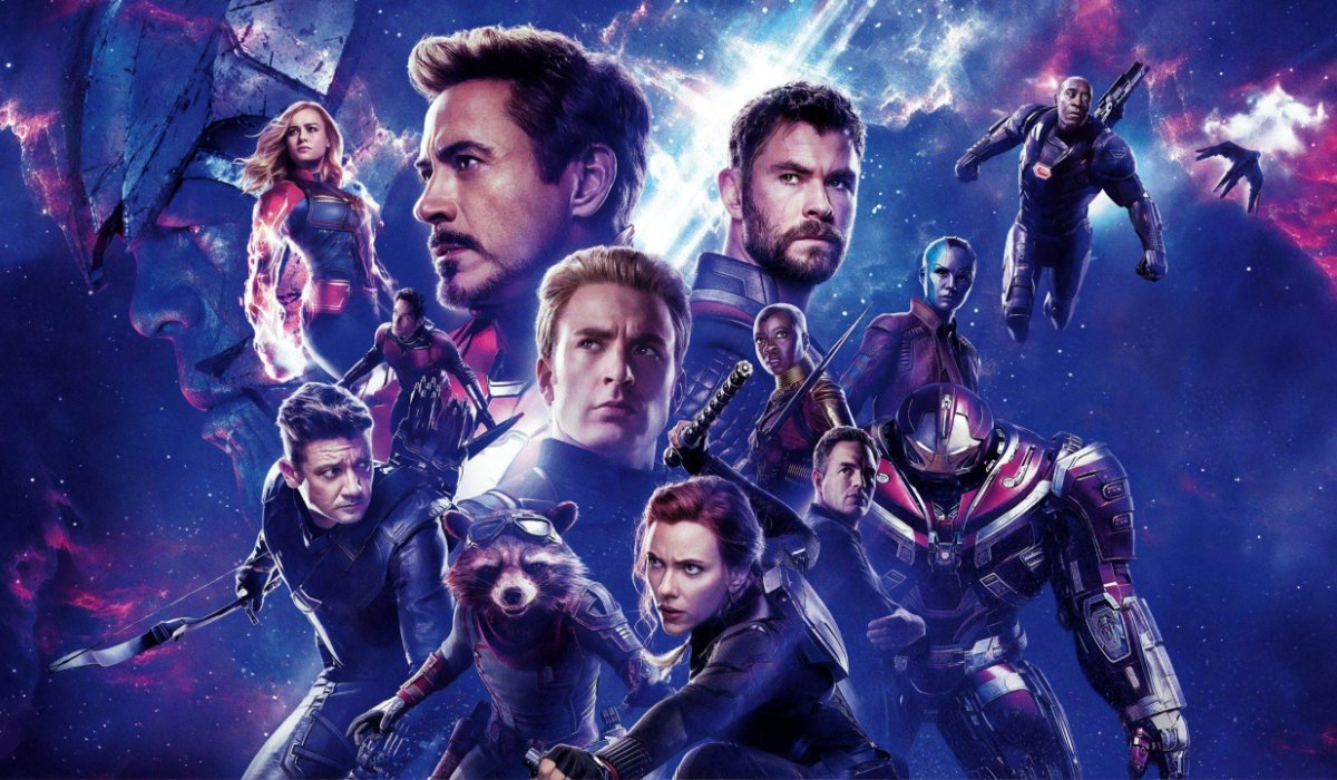 Avengers: Endgame Avengers in poster formation in space