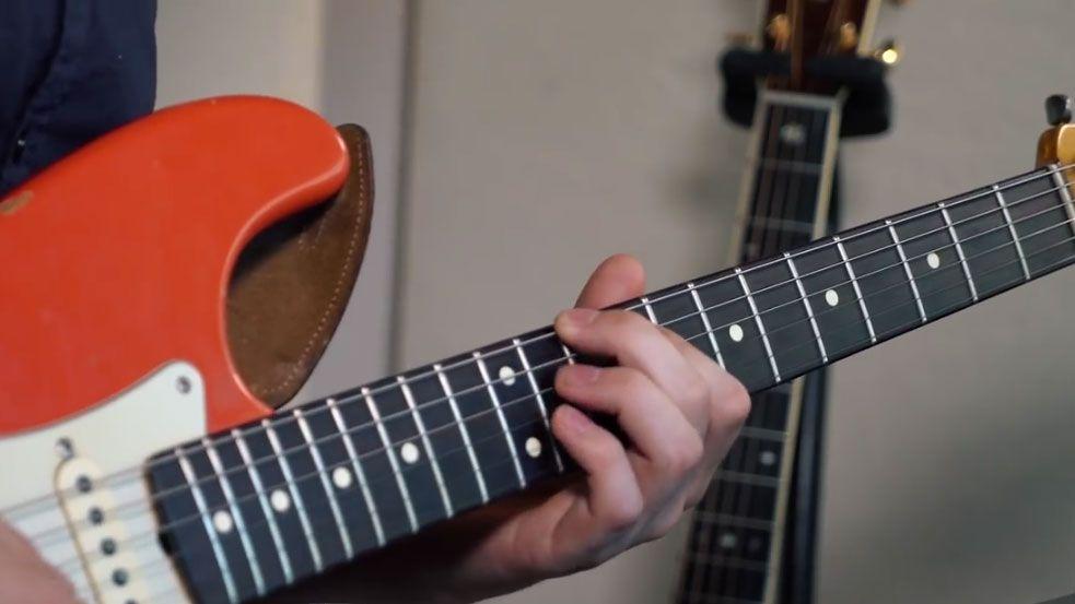 15 Fun, Easy to Play Guitar Riffs