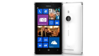 Nokia Lumia 925 crashes down with metallic