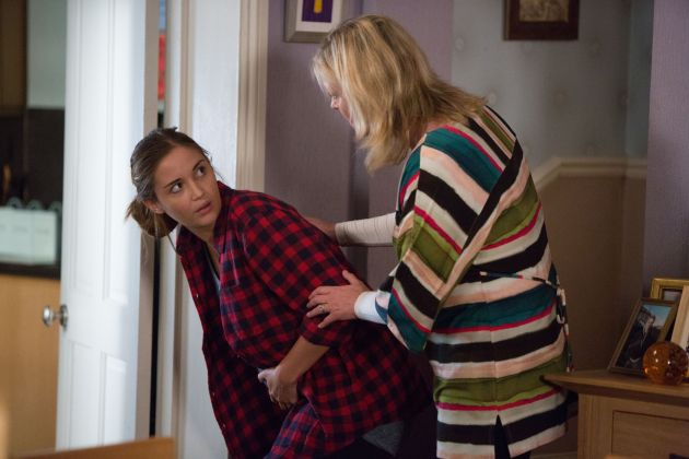 Lauren goes into labour episode eastenders what 39 s on tv for What goes into 42
