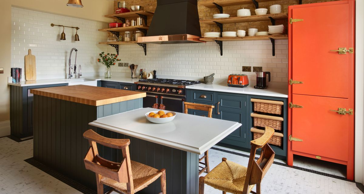 Be inspired by these farmhouse kitchen island ideas