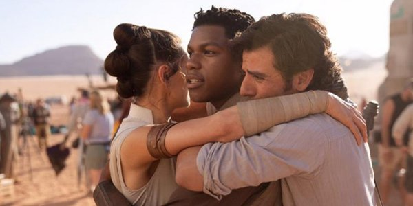 The True Story Behind This Star Wars: The Rise Of Skywalker 'Wrap' Photo