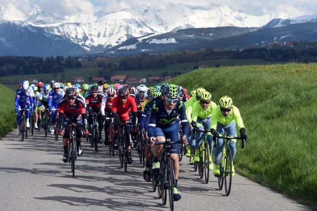 Froome slips as Felline wins Romandie prologue