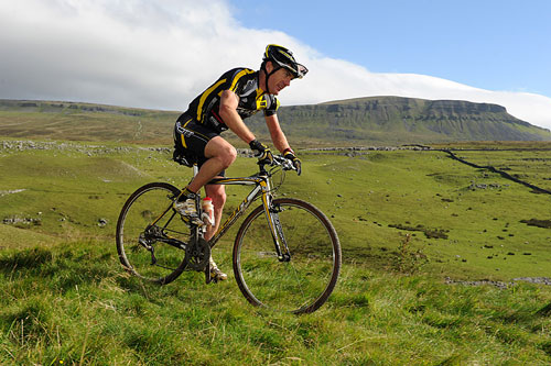 Nick Craig on Pen-y-ghent, Three Peaks Cyclo-Cross 2010