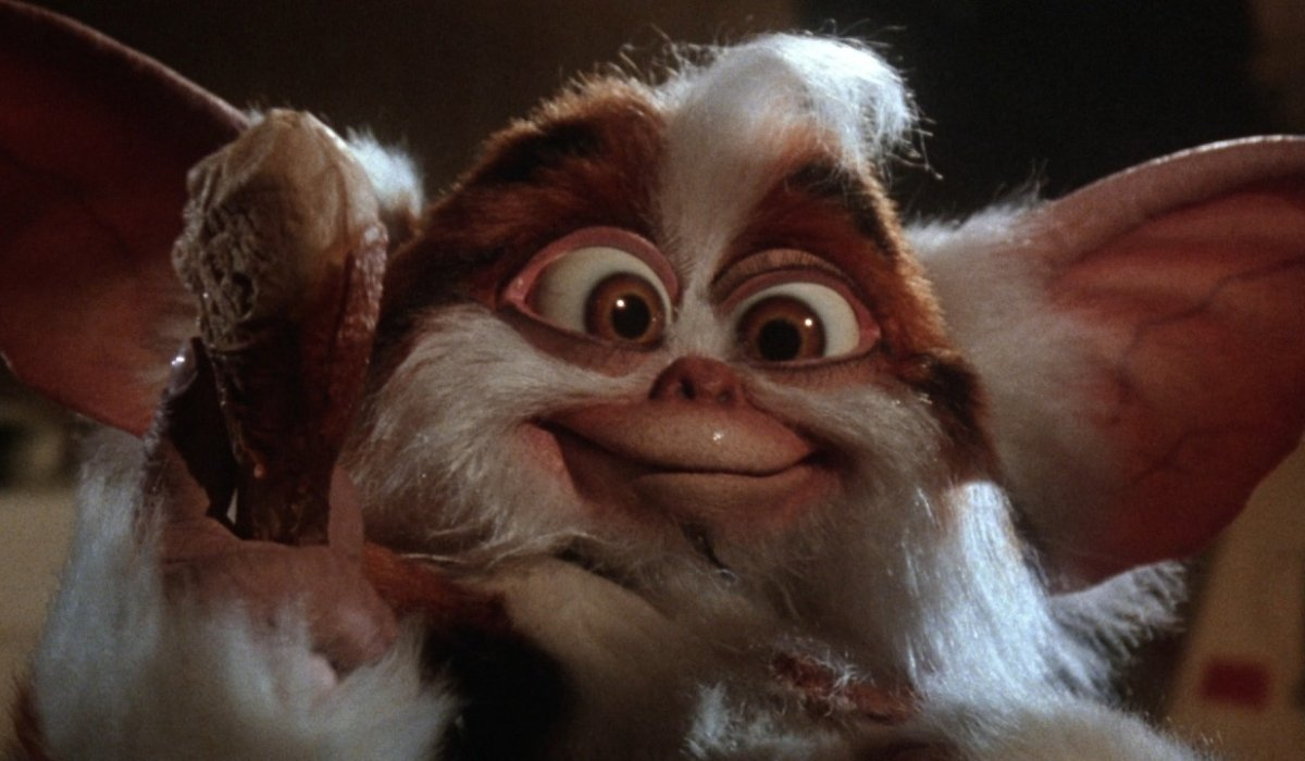 Gremlins 2: The New Batch Daffy holding a drumstick of chicken