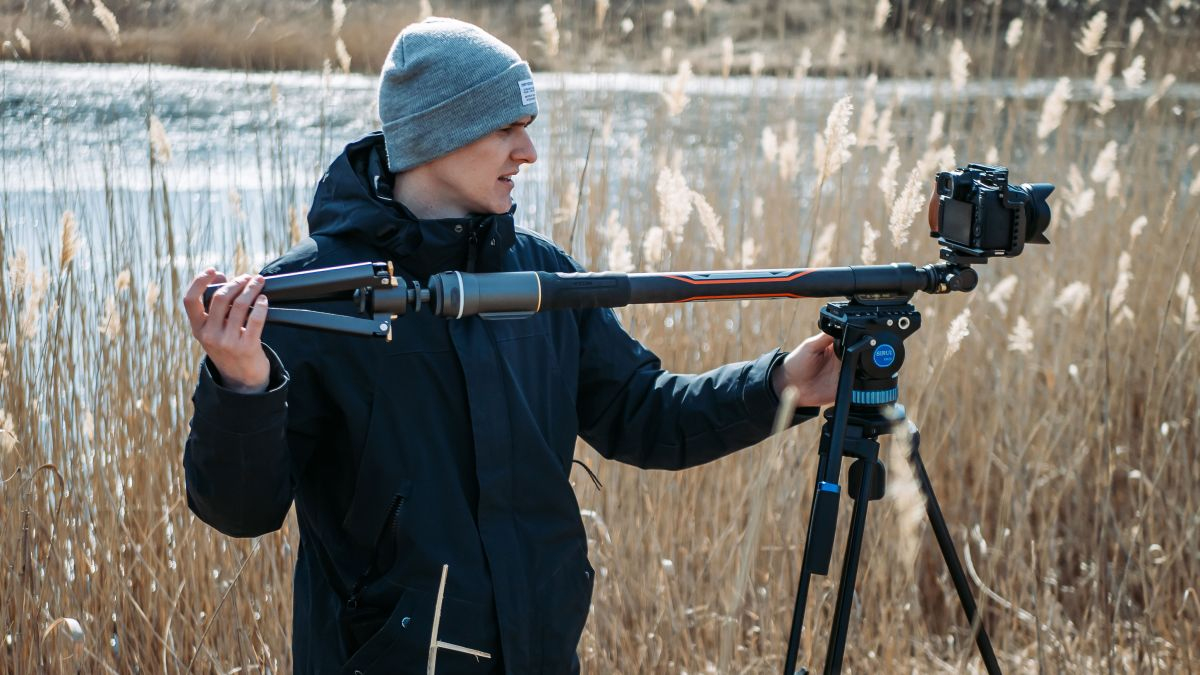 What do you get when you cross a slider with a monopod – the amazing Slypod Pro!