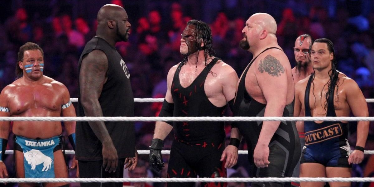 Shaquille O'Neal, Kane, and Big Show square up at WrestleMania 32