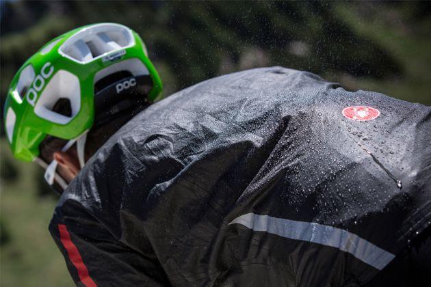Castelli Idro Jacket: the lightest rain jacket ever made ...