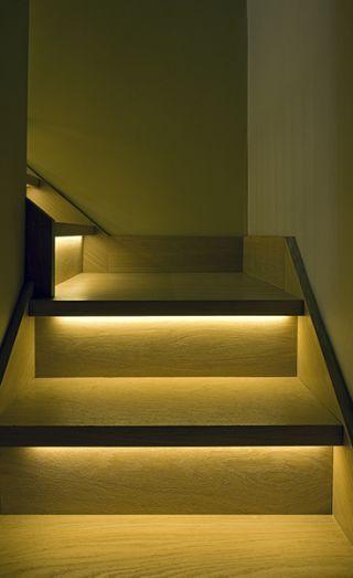Lighting Basement Washroom Stairs: 7 Staircase Lighting Ideas