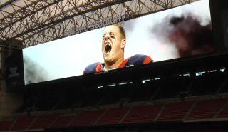 New Video Boards in Houston's Reliant Stadium Break Records