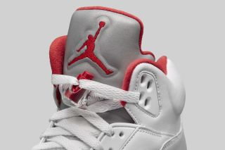 Jordan 5 Fire Red Sneakers