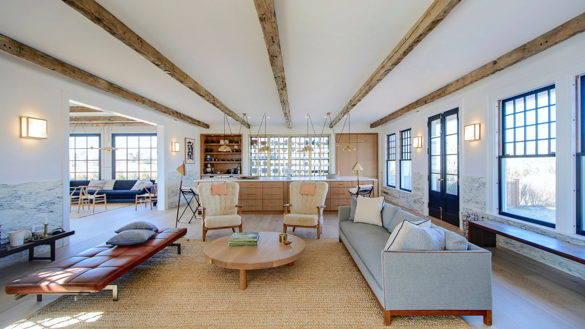 This Long Island home is a masterclass in mixing interior materials – our top 3 takeaways