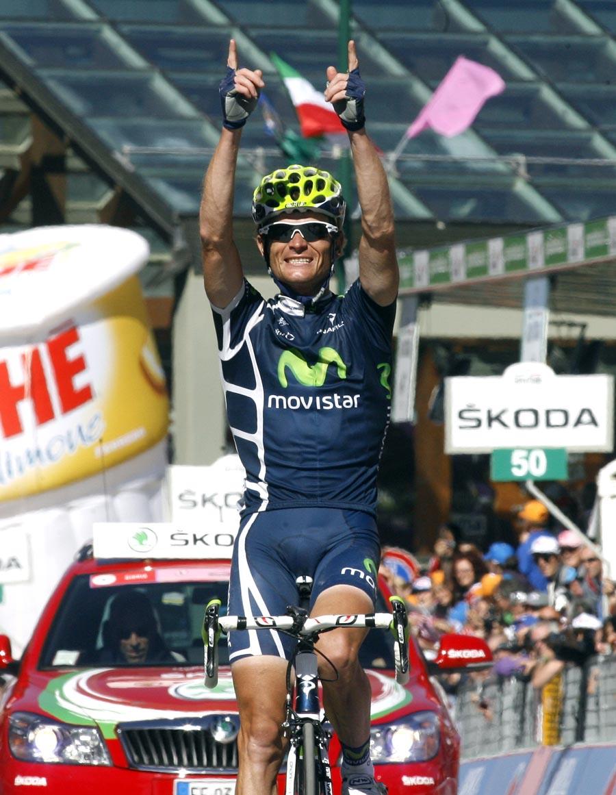 Vasili Kiryienka wins, Giro d