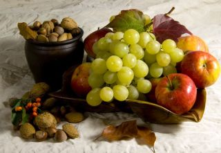 grapes-nuts-plantfoods-100831-02